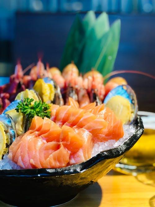 แซลมอน ปลาคุณภาพสูง ที่มักนำมาประกอบอาหารเป็นเมนูสุดหรู แสนอร่อย