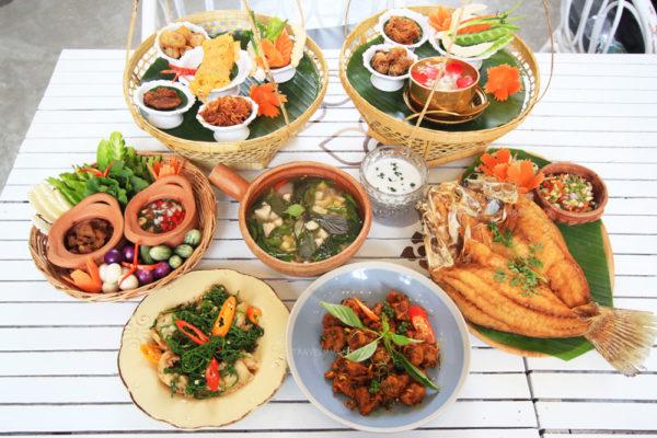 รีวิว ร้านอาหาร กะทิบ้านอาหารไทยและขนม ชื่อดังอย่างตลิ่งชัน
