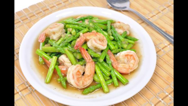 เคล็ดลับการทำ เมนูหน่อไม้ฝรั่งผัดกุ้ง ที่แสนอร่อยอุดมด้วยแร่ธาตุและวิตามินจากผัก
