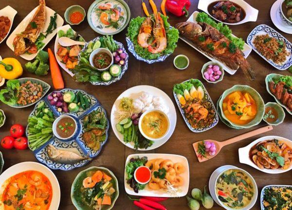 3 เจ้าเด็ดคั่วกลิ้ง เผ็ดร้อนโดนใจสายอาหารใต้ ซึ่งเป็นเอกลักษณ์ของรสชาติที่โดดเด่นของภาคใต้
