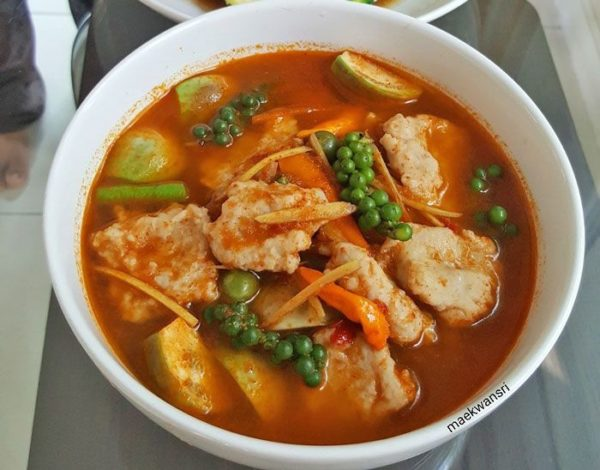 เคล็ดลับการทำ แกงป่าลูกชิ้นปลากราย ไขมันต่ำ ทำง่าย ๆ ได้รสชาติไทยแท้