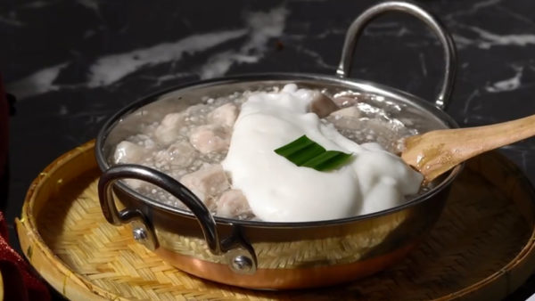 เรียนรู้การทำ ตะโก้เผือก แสนอร่อย ขนมไทยโบราณที่นำมาทำขายจนถึงยุค2020