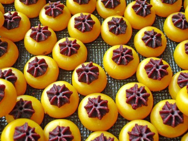 ขนมเสน่ห์จันทร์ แสนอร่อยขนมมงคลของไทย สีสันสวยงามน่าทาน