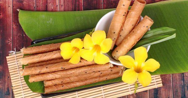 ขนมทองม้วนกรอบ ขนมไทยๆแบบโบราณ แสนอร่อยหาทานง่าย