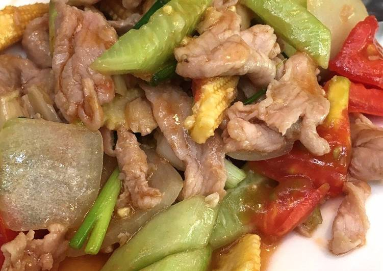 อาหารเพื่อสุขภาพ เมนูผัดเปรี้ยวหวานหมู