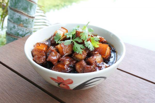 หมูฮ้อง เมนูอาหารที่ยิ่งทานก็ยิ่งได้รสหวานและเค็มพร้อมๆกัน